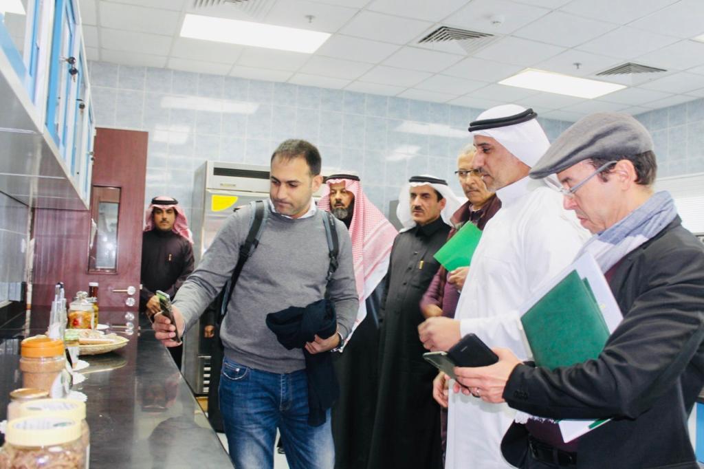 الحسيني: يعقد اجتماعاً مع خبراء من الهيئة الملكية لتطوير محافظة العلا