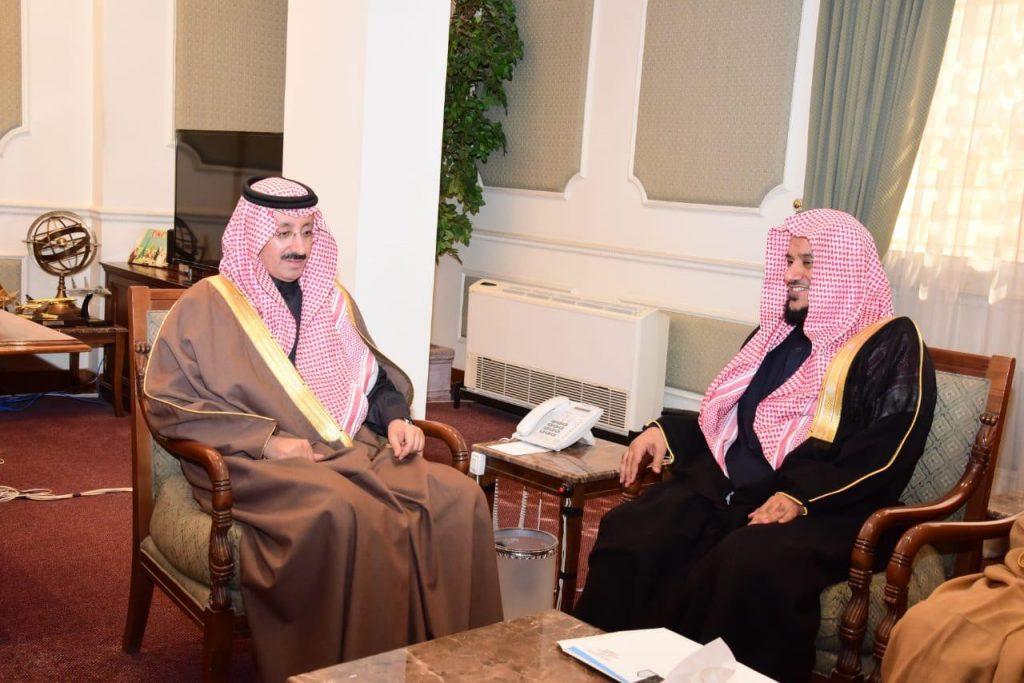 محافظ الأحساء يستقبل مستشار مدير جامعة الإمام المشرف على وحدة التوعية الفكرية