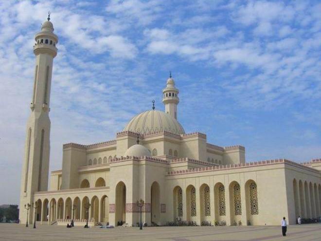 """دولة تمنع مواطنيها من الذهاب للمساجد لتفادي """"كورورنا"""""""