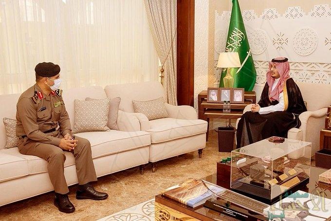 """سمو نائب """"أمير الشرقية"""" يلتقى مدير شرطة المنطقة"""