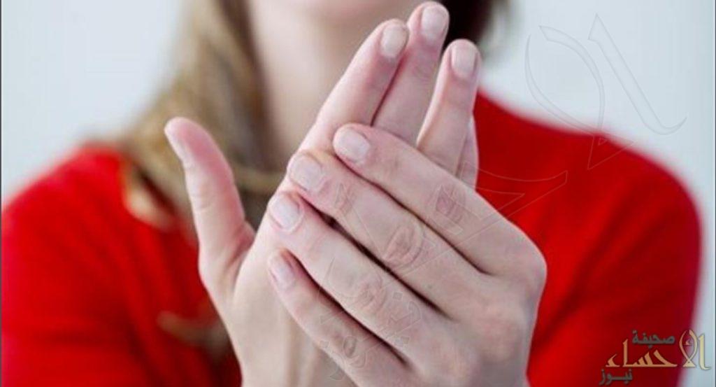 تعرّف عليها .. حالة تصيب اليدين تشير إلى الإصابة بمرض مزمن