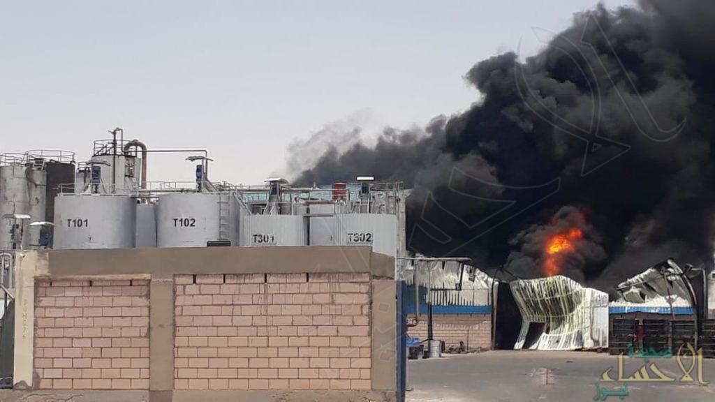 بالصور … اندلاع حريق في إحدى مصانع المدينة الصناعية بالعيون
