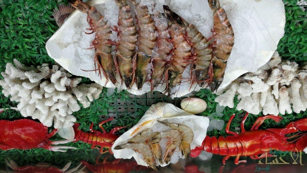 بالصور.. تعرّف على أكبر مطعم للمأكولات البحرية في الأحساء وقصة ريادته لأكثر من 28 عامًا