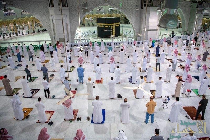 شاهد .. هكذا أدى المواطنون والمقيمون صلاة الفجر اليوم في المسجد الحرام