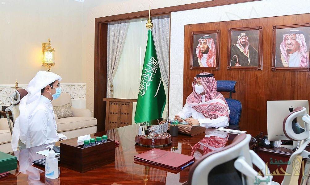 """سمو نائب أمير الشرقية يلتقي """"العفالق"""" رئيس رابطة الدوري السعودي للمحترفين"""