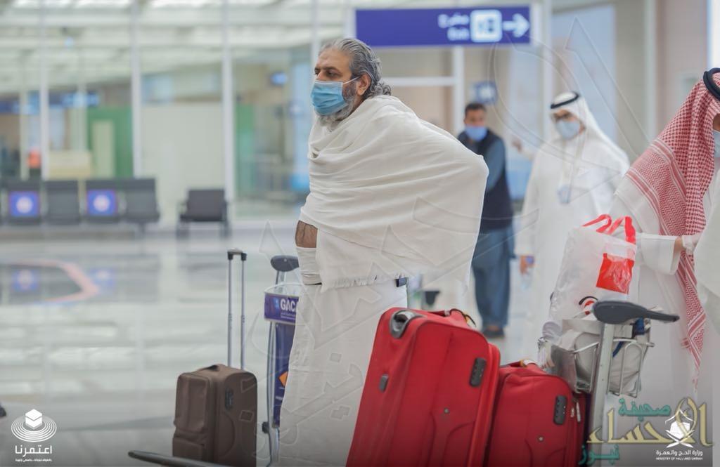 بالفيديو والصور .. وصول أول فوج من معتمري الخارج مطار جدة