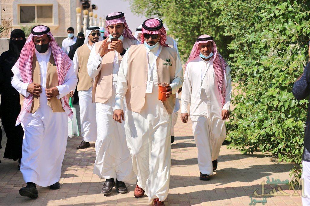 """فرع وزارة الزراعة بالمنطقة الشرقية يطلق حملة """"لنجعلها خضراء"""" بالجبيل"""