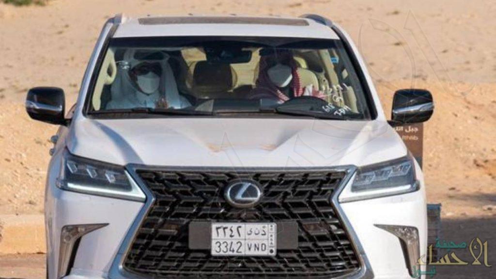 صورة توثق جولة ولي العهد وأمير قطر في محافظة العلا