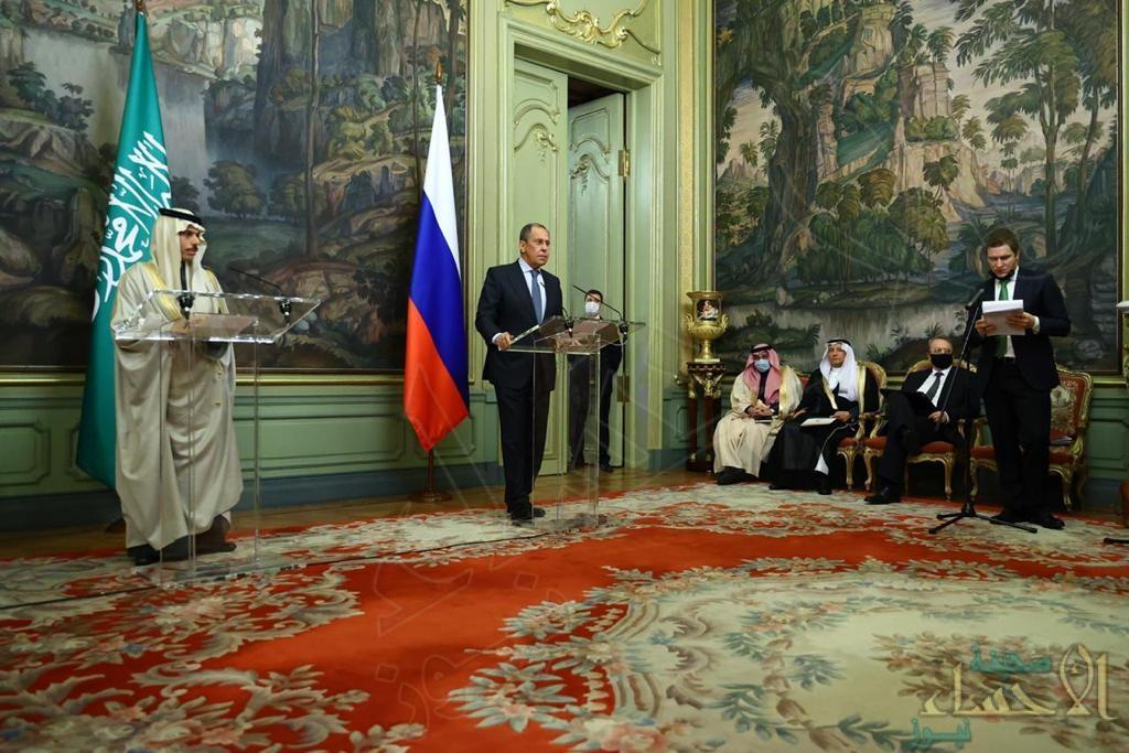 """الأمير """"فيصل بن فرحان"""" يعقد جلسة مباحثات رسمية مع وزير خارجية روسيا الاتحادية (صور)"""