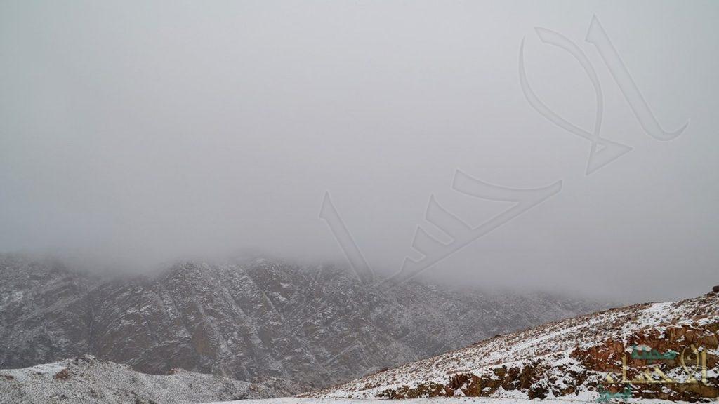 الحصيني: المنخفض العملاق يصل المملكة اليوم.. أمطار ورياح وثلوج