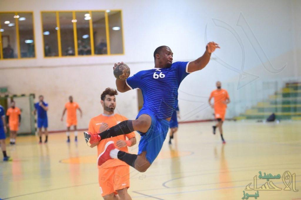فريق القارة يواصل الانفراد بصدارة دوري الدرجة الأولى لكرة اليد