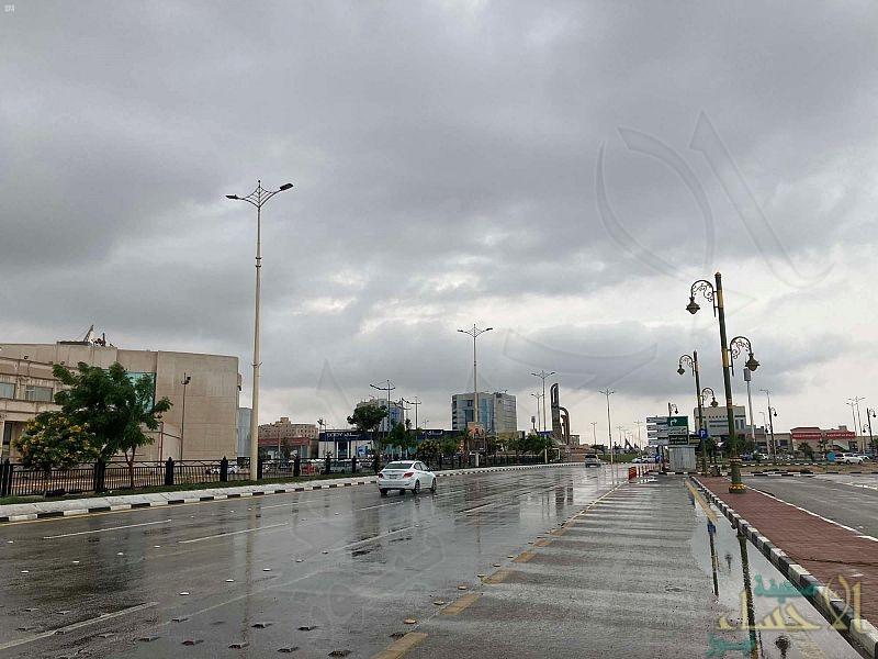 """""""الشرقية"""" تشهد موجة من الأمطار الخفيفة إلى المتوسطة (صور)"""