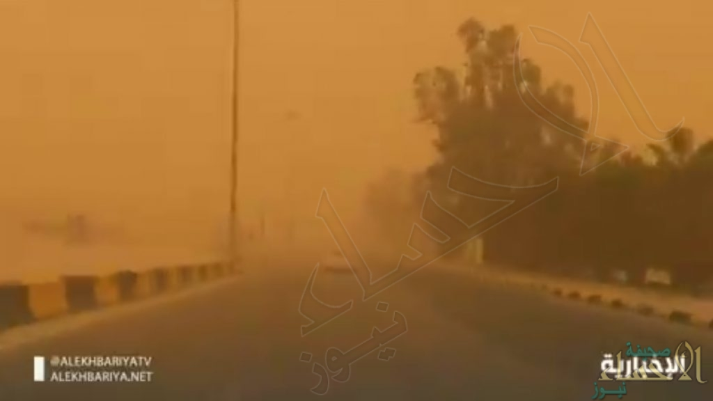 """""""حمراء"""" .. اسم الحالة الغبارية التي تجتاح أجواء المملكة وتؤثر لاحقاً على بقية دول الخليج (فيديو)"""