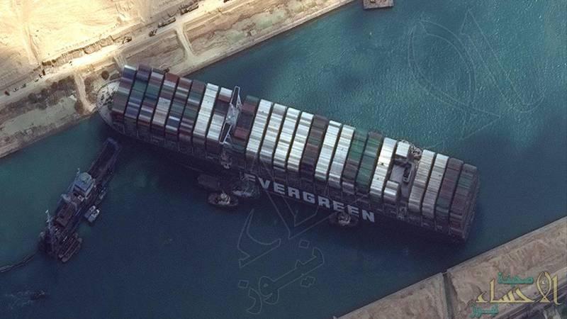 """أكبر من """"تيتانيك"""" وأطول من """"برج إيفل"""" .. متى يتم تعويم السفينة الجانحة في قناة السويس؟!"""
