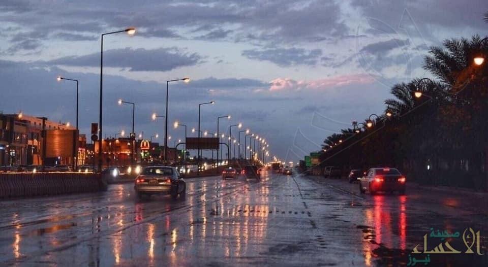 حالة الطقس: أمطار رعدية مصحوبة برياح نشطة وبرد على 10 مناطق