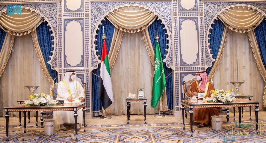 سمو ولي العهد يجتمع بولي عهد أبو ظبي ويستعرضان العلاقات الثنائية بين البلدين (صور)