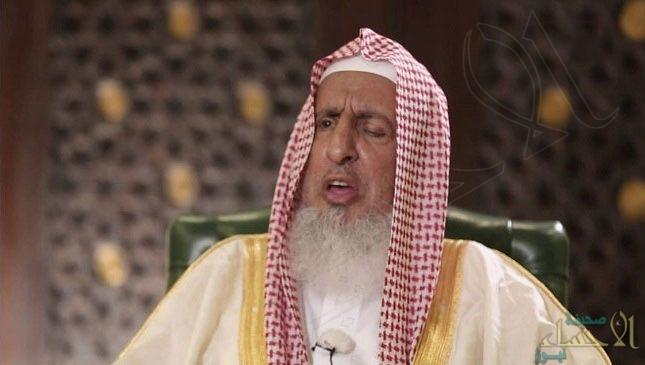 """""""المفتي"""" يوضّح الحكم بشأن وضع مصباح فوق المساجد للإشعار بإقامة الصلاة"""