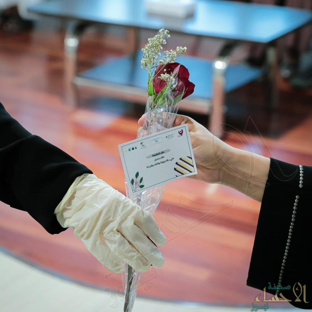 نادي التطوع الإداري الصحي يقدم هدايا العيد لـ 88 مريض ومريضة بالشرقية (صور)