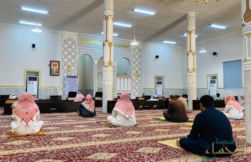 """""""الإسلامية"""": لم نغلق أي مسجد في الأيام الـ4 الماضية.. ولا إصابات بـ""""كورونا"""" بين المصلين"""