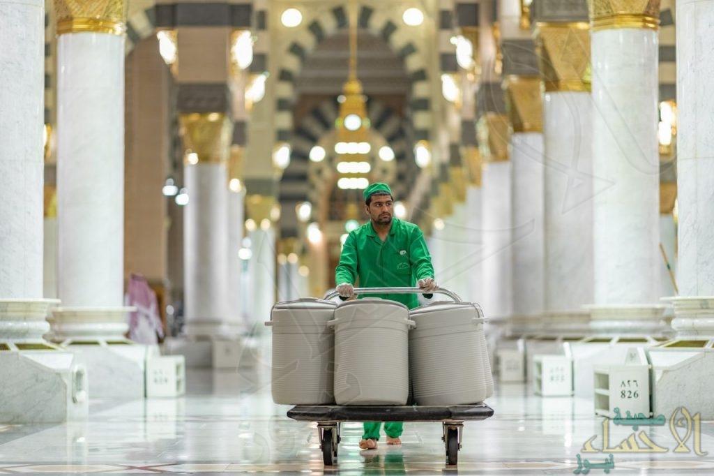 عودة حافظات ومشربيات ماء زمزم إلى الحرمين مع التقيد بالاحترازات