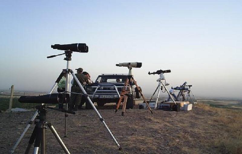 لأول مرة .. السعوديون يتابعون تحرى هلال العيد على الهواء مباشرة