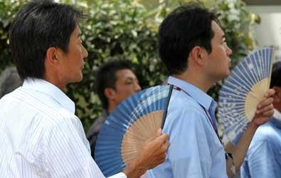 نقل 3 آلاف إلى مستشفيات اليابان بسبب ارتفاع حرارة الجو إلى 35درجة