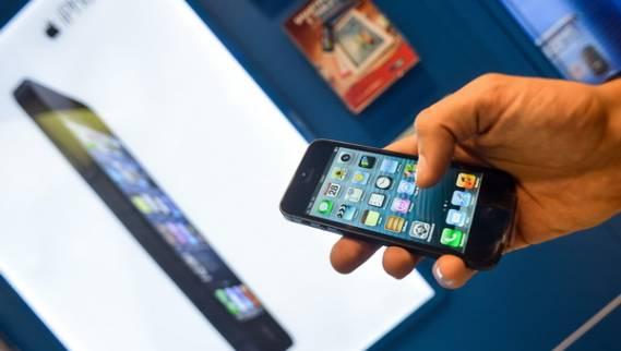 الولاء لهواتف (آيفون) الأعلى بين مختلف الأجهزة