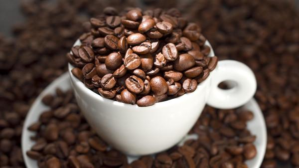 4 أكواب من القهوة يوميًّا تقي من النوبات القلبية