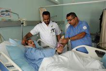 مدير صحة الأحساء بالإنابة يعايد المرضى .