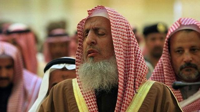"""""""مفتي المملكة"""" الملك عبدالله عالج قضايا الخليج بصمت وحكمة"""